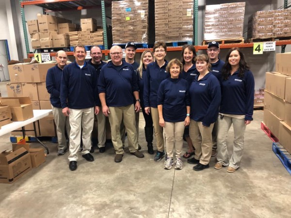 A group of SSB Hibbing employees helps the United Way.