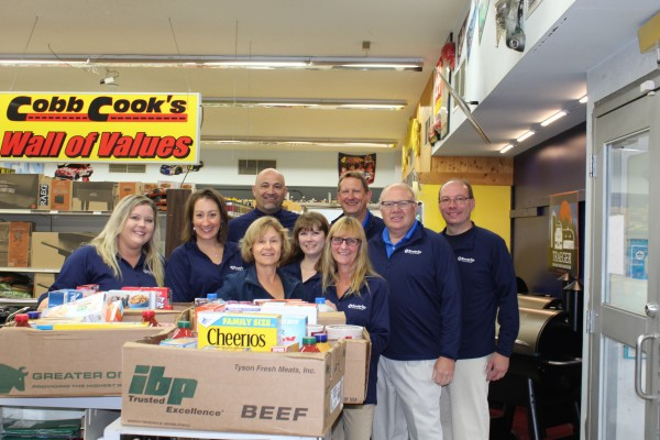 SSB Hibbing employees donating food at Cobb Cook Grocery.
